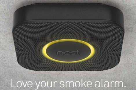 Lo smart smoke alarm di Nest. Uno degli ultimi prodotti lanciati dall'azienda, dopo l'acquisizione da parte di Google.