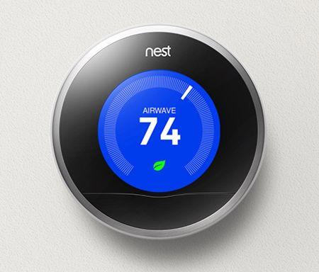 Il celebre termostato di Nest. Il primo prodotto che ha reso famosa l'azienda e sbaragliato aziende leader come Honeywell.